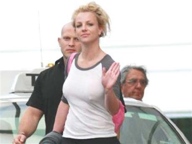 Britney'nin kaldırımdaki sakızına 514 dolar